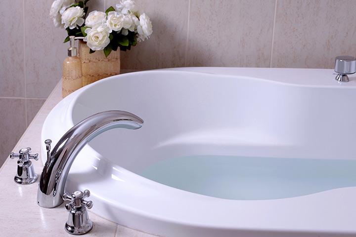 Set up the bathing tub