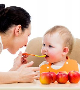 5-Easy-Steps-To-Prepare-Apple-Puree-For-Your-Baby