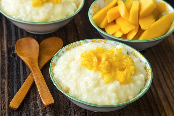 Mango and rice porridge