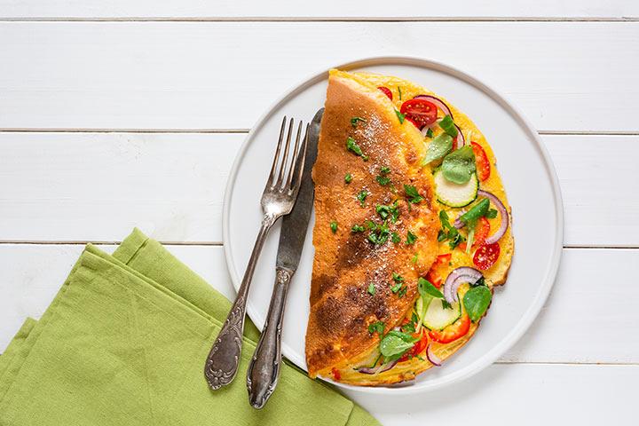 Cheesy zucchini omelet