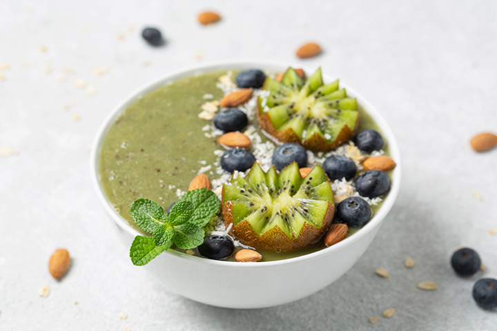 Zucchini and nuts smoothie