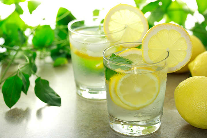 9 Best Health Benefits Of Lemon Water While Breastfeeding