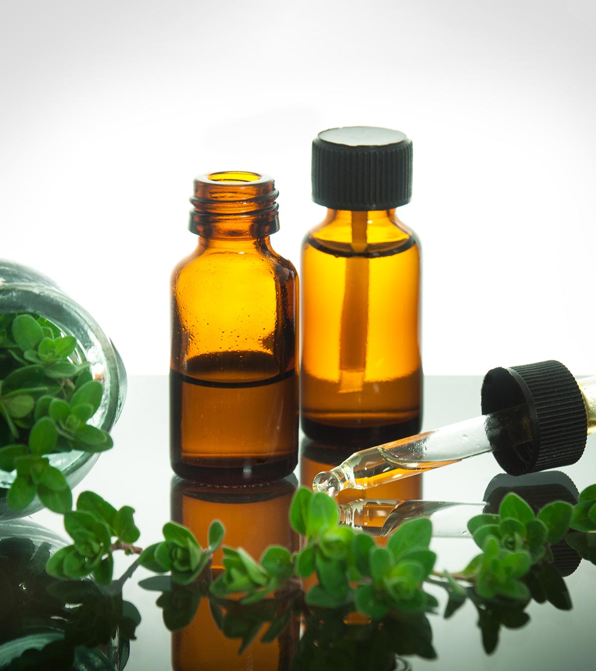Oil Of Oregano During Pregnancy - 4 Health Benefits & 3 Side