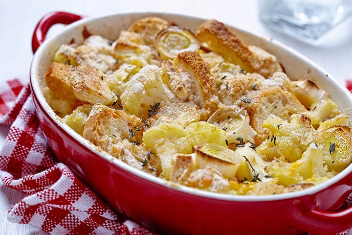 Roasted garlic and leek bread casserole