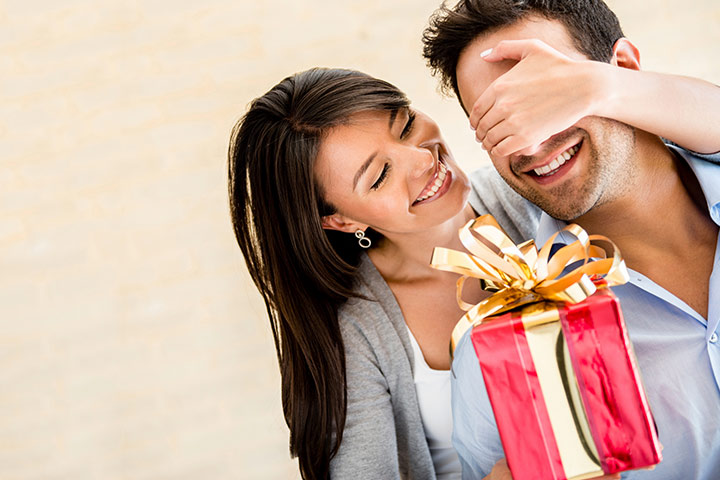 Romantic Ways To Give Birthday Surprise Your Husband