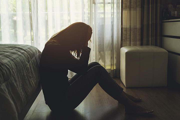 14 Signs You Have Abandonment Issues, And Tips To Deal With It