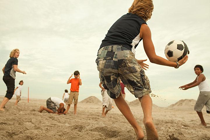 Beach dodgeball