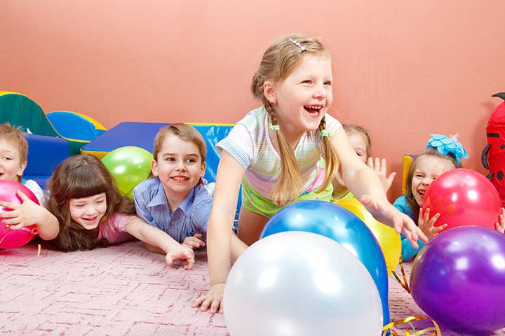 Game Called Balloon Smash Surprise on 1st Birthday