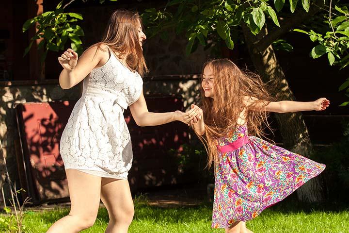 Switching dance partners 1st Birthday Games