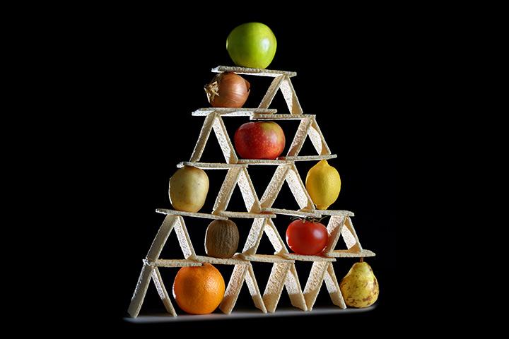 Cracker pyramid