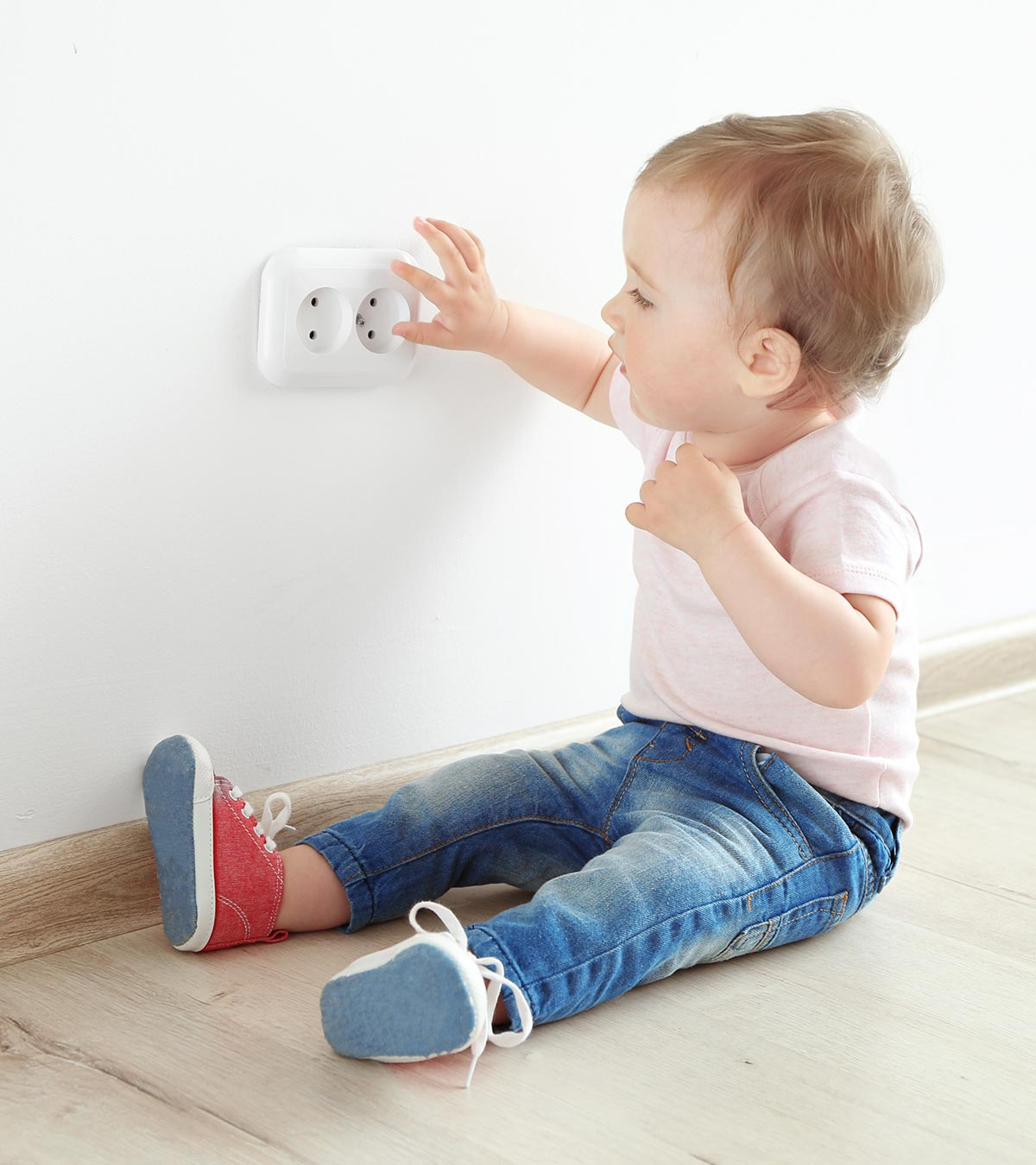 60 Electrical Wall Socket Plug Outlet Safety Caps Covers Baby Child Proofing