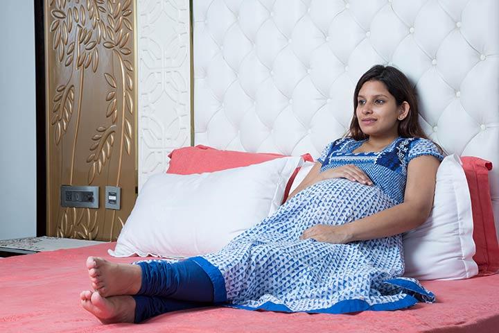 Pregnancy Me Bed Rest Kaise Kare