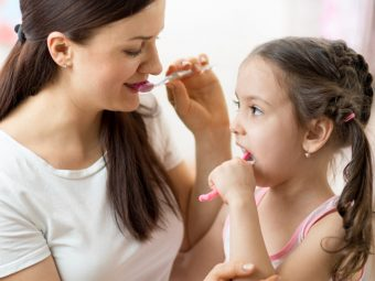 बच्चों को दांत ब्रश करना कैसे सिखाएं?   Baccho Ko Tooth Brush Karna Kaise Sikhaye