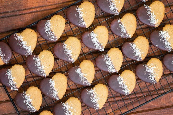 Chocolate Dip Cookies