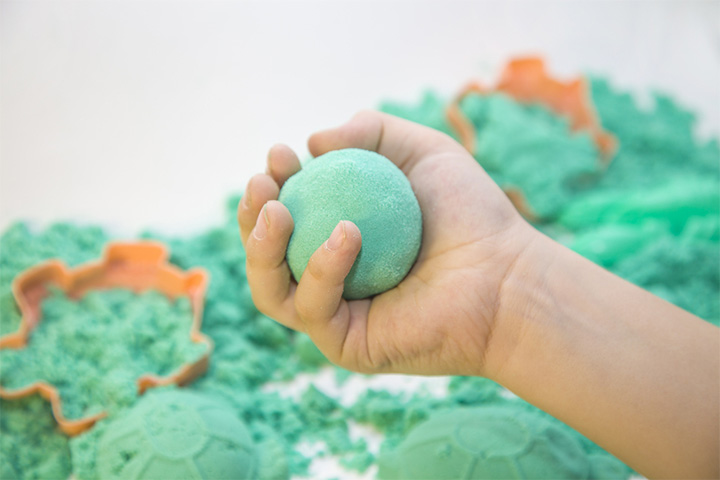 Kinetic Sand With Baking Soda