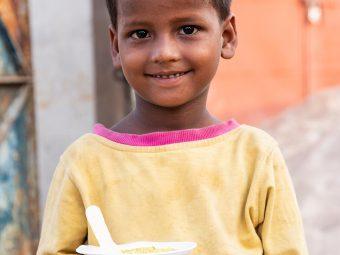 बच्चों में कुपोषण के लक्षण, कारण व रोकथाम के उपाय | Malnutrition Meaning In Hindi