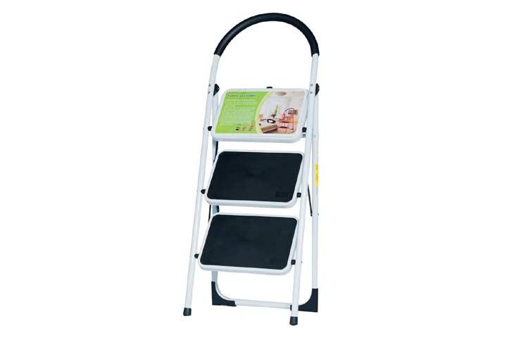 Good Life Folding Step Ladder