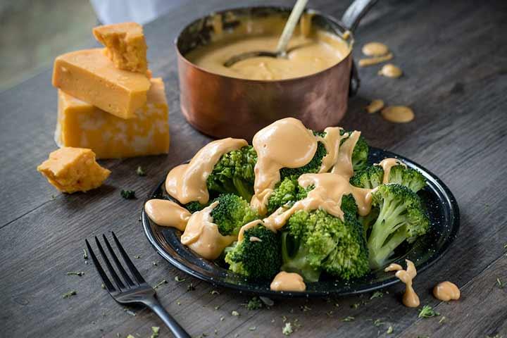 Broccoli with vegan cheese sauce