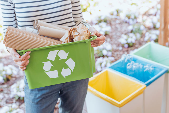Sort the garbage-recycling game