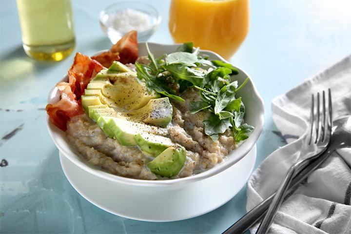 Oatmeal with tempeh avocado
