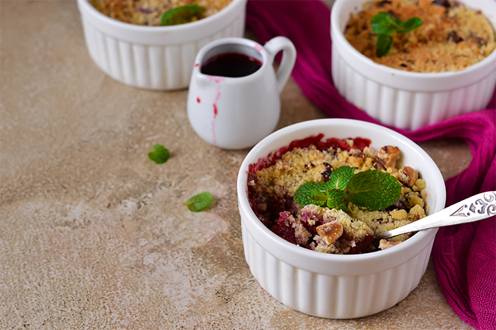 Strawberry and rhubarb baked oatmeal