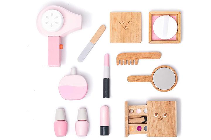Umu Wooden Beauty Salon Toys