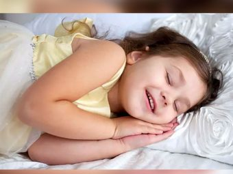 बच्चे का नींद में बोलना : कारण, लक्षण, ट्रीटमेंट व टिप्स | Sleep Talking In Kids In Hindi